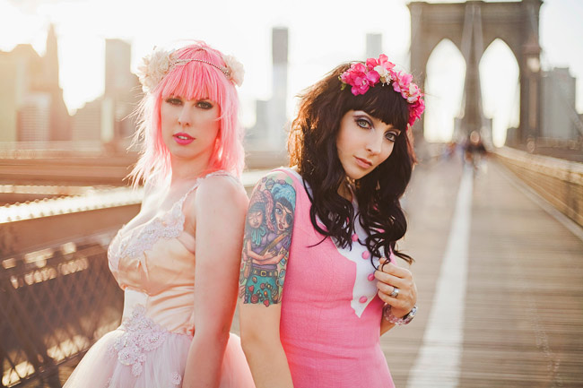 Brooklyn Bridge Babes!