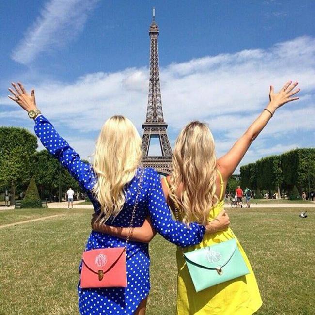 eiffel-tower-friends